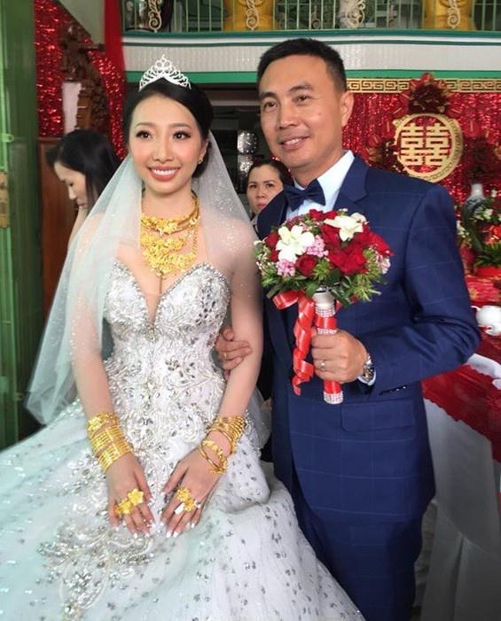 """Sau đám cưới bạc tỷ, vàng đeo trĩu cổ, cô dâu nào cũng được cưng chiều như """"bà hoàng"""" - Ảnh 5"""