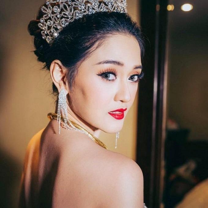 """Sau đám cưới bạc tỷ, vàng đeo trĩu cổ, cô dâu nào cũng được cưng chiều như """"bà hoàng"""" - Ảnh 2"""