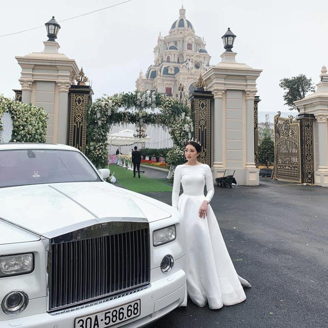 """Sau đám cưới bạc tỷ, vàng đeo trĩu cổ, cô dâu nào cũng được cưng chiều như """"bà hoàng"""" - Ảnh 8"""