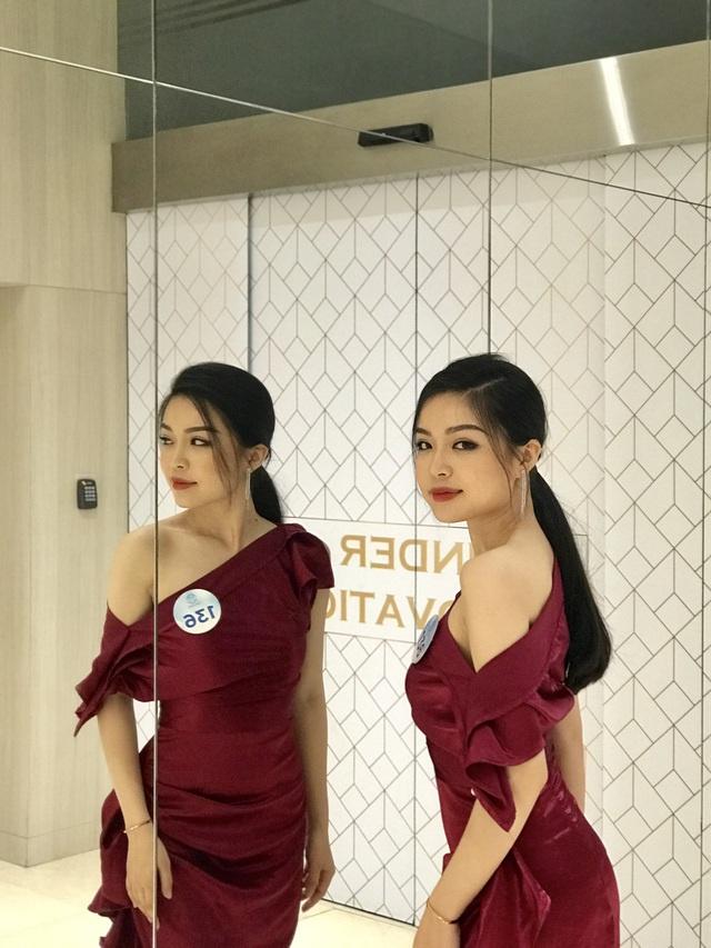 """Nữ sinh báo chí nổi danh từ Hoa hậu Thế giới Việt Nam, xinh xắn đáng yêu như """"bạn gái nhà bên"""" - Ảnh 3"""