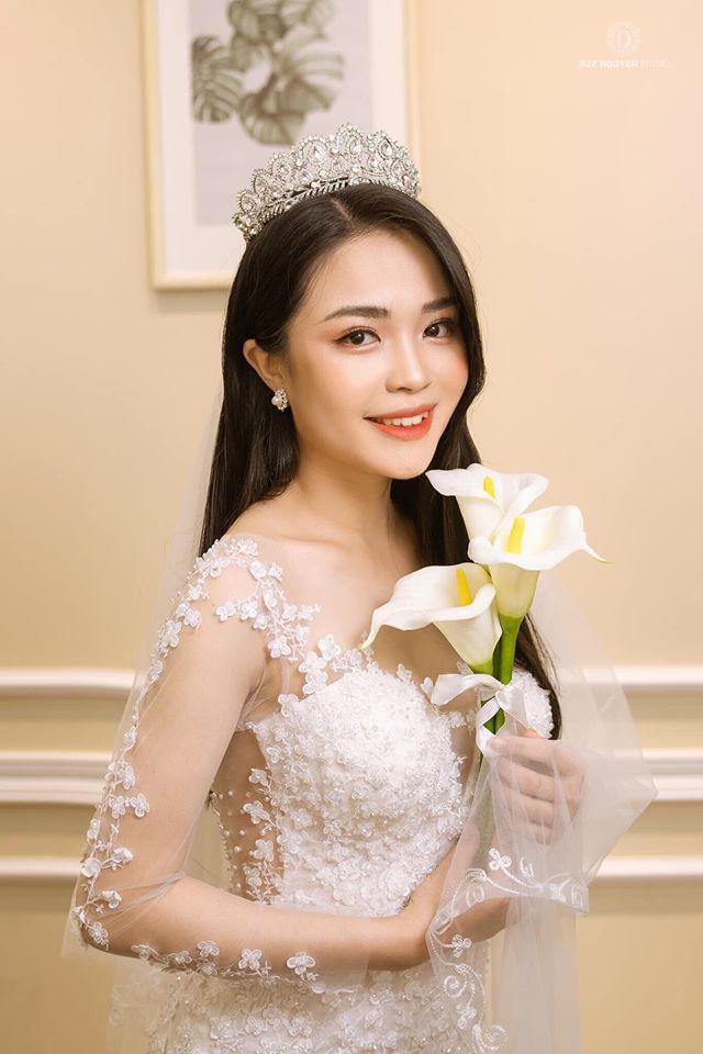 """Nữ sinh báo chí nổi danh từ Hoa hậu Thế giới Việt Nam, xinh xắn đáng yêu như """"bạn gái nhà bên"""" - Ảnh 4"""