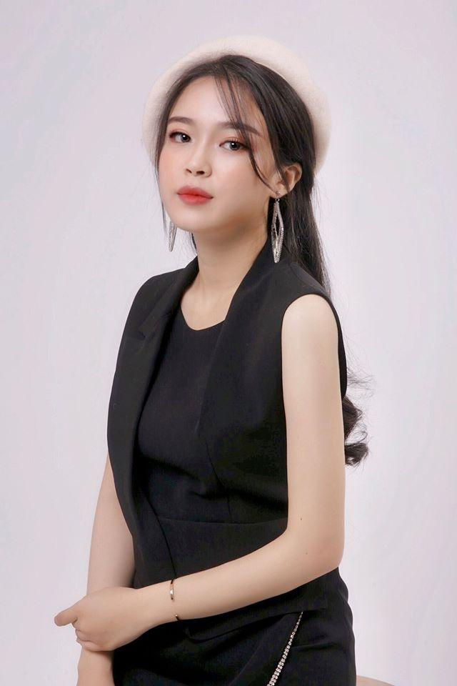 """Nữ sinh báo chí nổi danh từ Hoa hậu Thế giới Việt Nam, xinh xắn đáng yêu như """"bạn gái nhà bên"""" - Ảnh 5"""