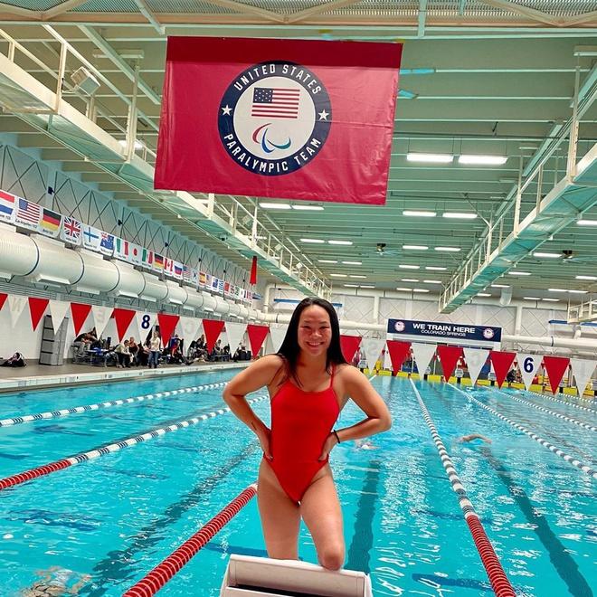 Mất 2 chi dưới gối, cô gái gốc Việt vẫn trở thành vận động viên bơi lội ở Mỹ - Ảnh 6