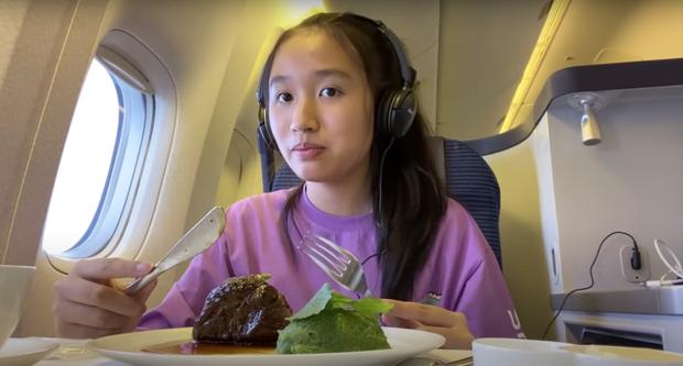 """Youtuber 15 tuổi khoe mặt mộc, sở hữu vlog ít """"làm màu"""" nhưng có thu nhập tiền tỷ - Ảnh 2"""