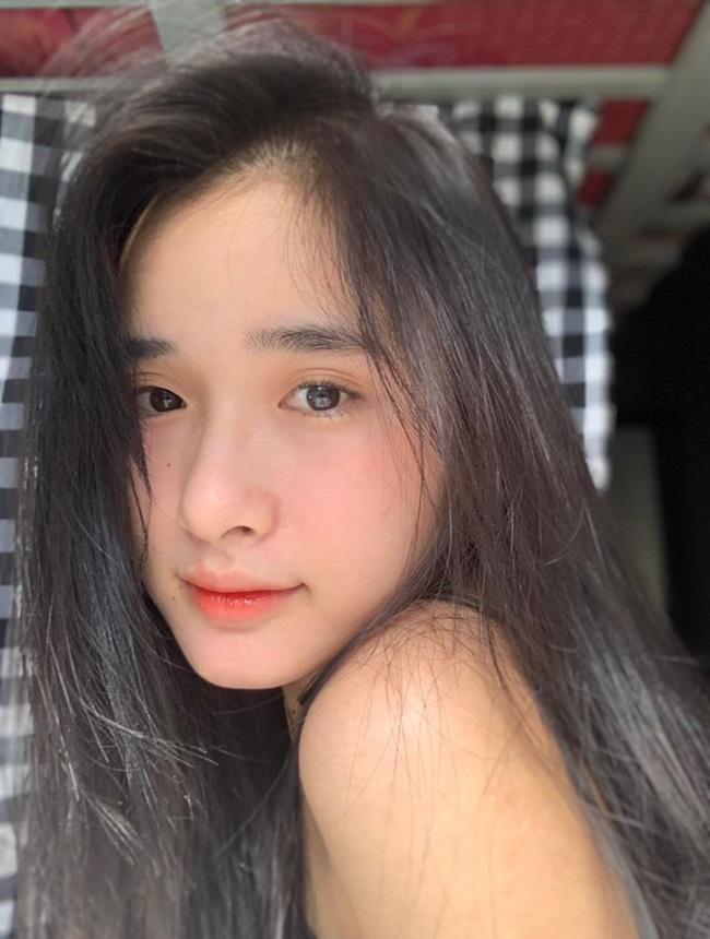 """Nữ sinh 2k xinh đẹp hút hồn, ai cũng phải thốt lên """"Dương Mịch phiên bản Việt"""" - Ảnh 4"""
