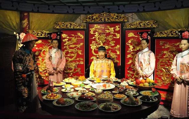"""Hoàng đế nhà Thanh tiêu tốn """"núi vàng"""" cho ngự thiện, 120 món chỉ nấu bằng nguồn nước quý giá này - Ảnh 2"""