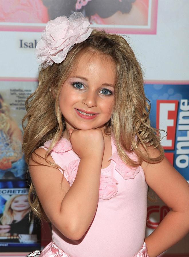 """Hoa hậu nhí xinh đẹp nhất nước Mỹ thành triệu phú năm 6 tuổi, càng lớn càng giàu """"kếch xù"""" - Ảnh 2"""
