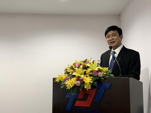 Hiệu trưởng trường ĐH Tôn Đức Thắng bị đình chỉ chức vụ Bí thư Đảng - Ảnh 1