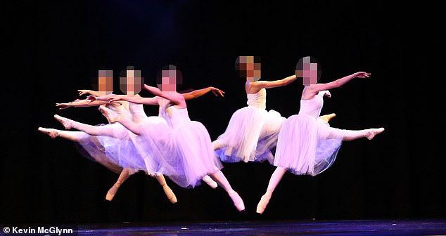 Trường dạy múa ở Scotland chấn động, 60 học viên tố hiệu phó quấy rối tình dục - Ảnh 2
