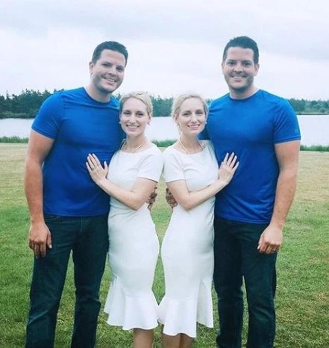 Chuyện lạ: Chị em song sinh cưới được chồng sinh đôi, mang thai cùng thời điểm - Ảnh 1