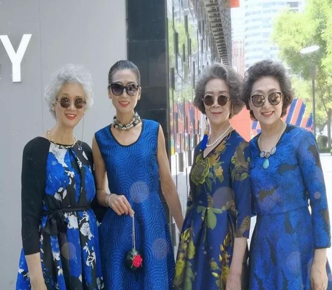 """Thả dáng trên đường phố Bắc Kinh, 4 """"lão bà quyến rũ"""" thành hiện tượng mạng  - Ảnh 7"""