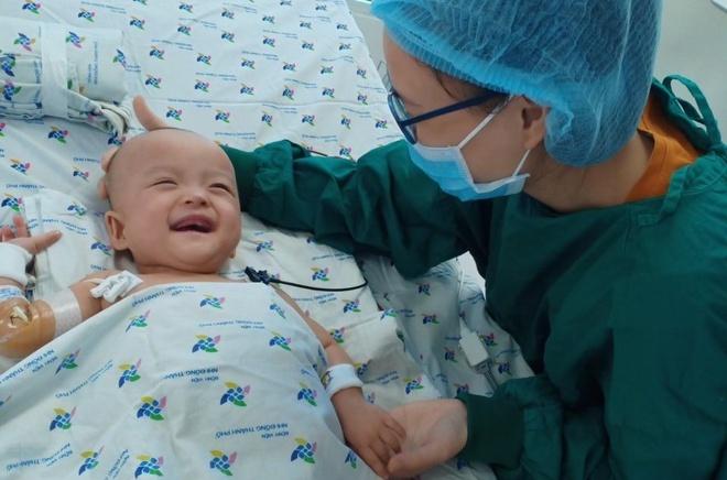 Tin tức đời sống mới nhất ngày 3/8/2020: Hai bé song Nhi hết sốt, tự thở khí trời - Ảnh 1