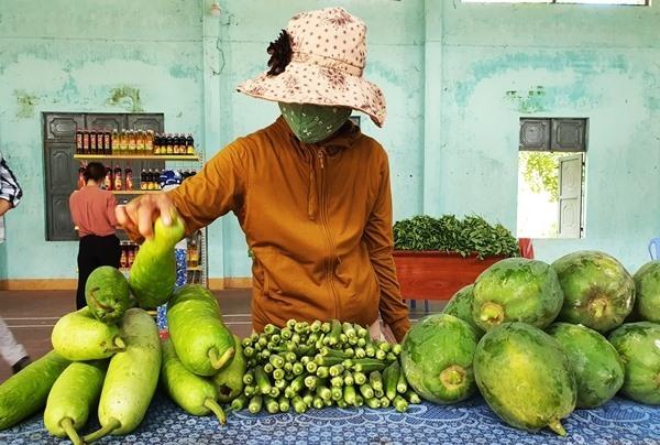 Quảng Nam: Phiên chợ thực phẩm 0 đồng cho người nghèo trong mùa dịch COVID-19 - Ảnh 1