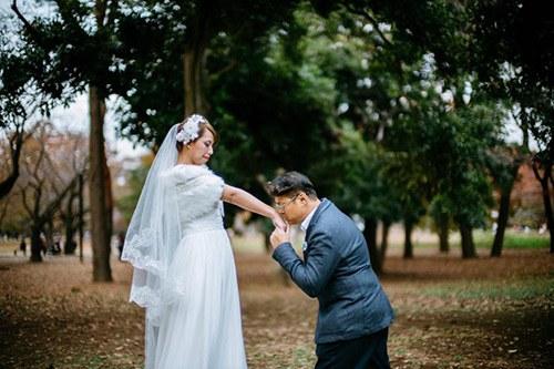 """Cặp đôi chơi sang, chụp ảnh cưới ở nước ngoài nhưng nhận về """"thảm họa"""", ai xem cũng ngán ngẩm - Ảnh 3"""