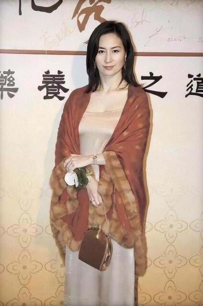 """""""Ái nữ mệnh phú quý"""" của vua sòng bài Macau: Kiều diễm từ bé đến lớn, đẹp không khác mỹ nhân TVB - Ảnh 6"""