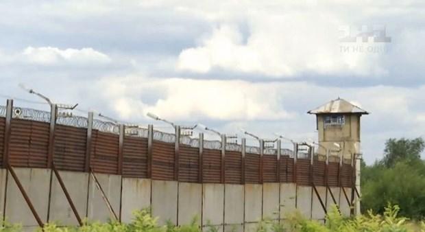 Mẹ già đào đường hầm dài 13m để con trai vượt ngục, khi sắp chạm tới bức tường nhà tù điều bất ngờ xảy ra - Ảnh 1