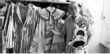 """Nghệ sĩ Công Minh: Hồi ức về vai Tào Tháo cùng """"kiếp cầm ca"""" với nghiệp cải lương và chuyện hậu trường sân khấu - Ảnh 1"""