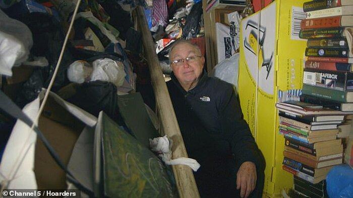Khám phá căn nhà nhiều rác nhất nước Anh, chuột vào không có đường thoát thân - Ảnh 2