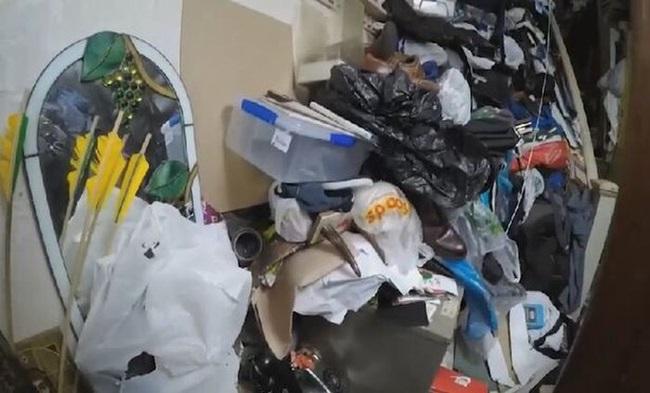 Khám phá căn nhà nhiều rác nhất nước Anh, chuột vào không có đường thoát thân - Ảnh 5