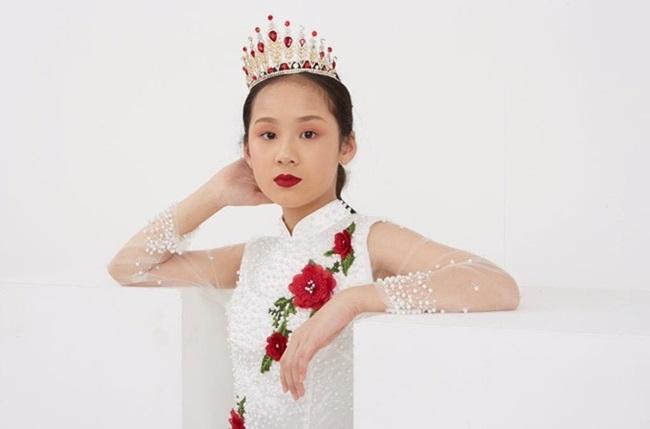 Cô bé người Việt đầu tiên học cùng trường con Hoàng tử Anh, sở hữu tài khoản ngân hàng khi mới 10 tuổi - Ảnh 6