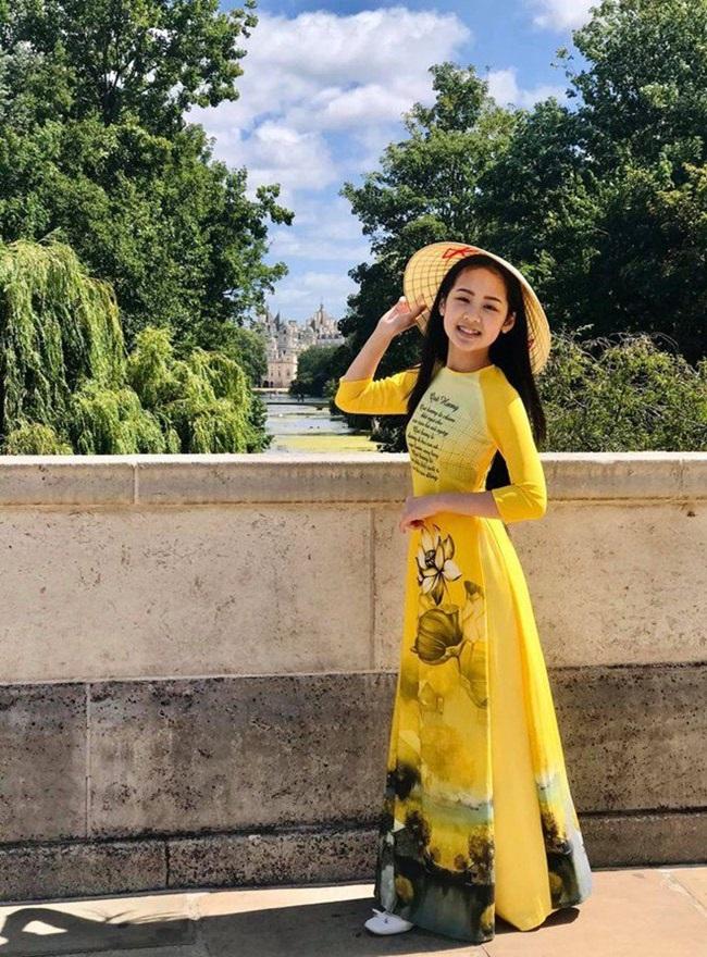 Cô bé người Việt đầu tiên học cùng trường con Hoàng tử Anh, sở hữu tài khoản ngân hàng khi mới 10 tuổi - Ảnh 5