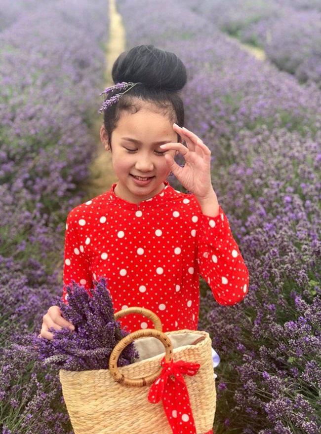 Cô bé người Việt đầu tiên học cùng trường con Hoàng tử Anh, sở hữu tài khoản ngân hàng khi mới 10 tuổi - Ảnh 7