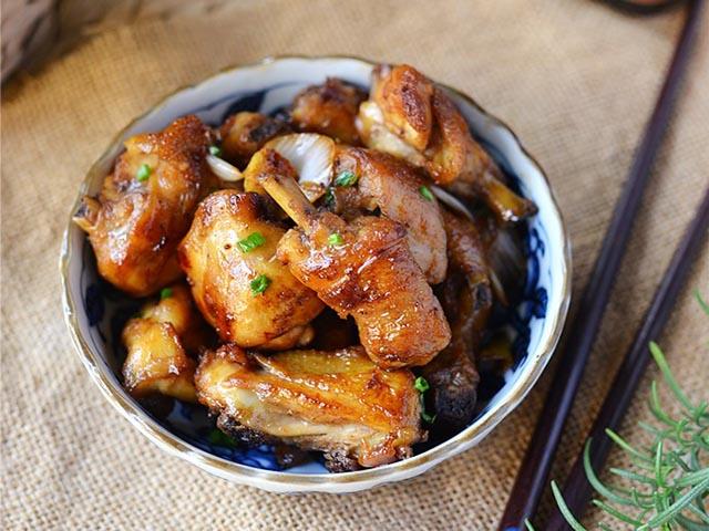 Đổi món với gà chiên sốt dầu hào đậm đà, vét sạch nồi cơm vẫn thấy thèm - Ảnh 3
