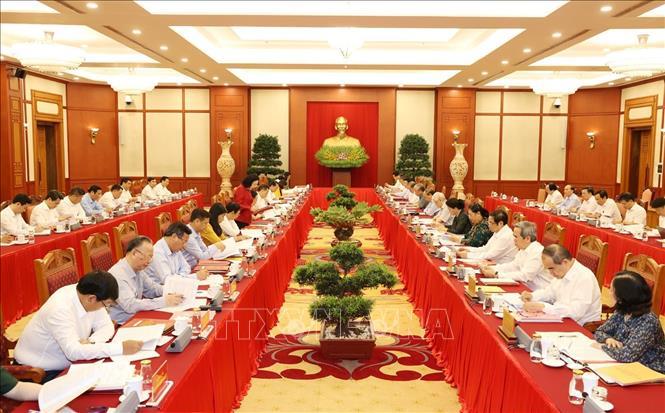 Bộ Chính trị làm việc với Ban Thường vụ Thành ủy Hà Nội - Ảnh 2