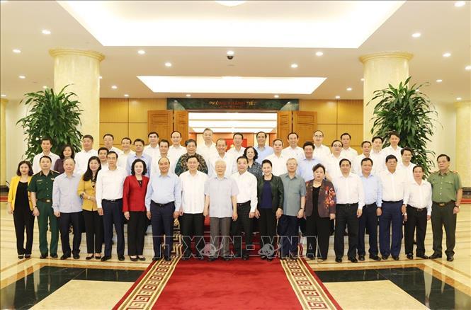 Bộ Chính trị làm việc với Ban Thường vụ Thành ủy Hà Nội - Ảnh 3