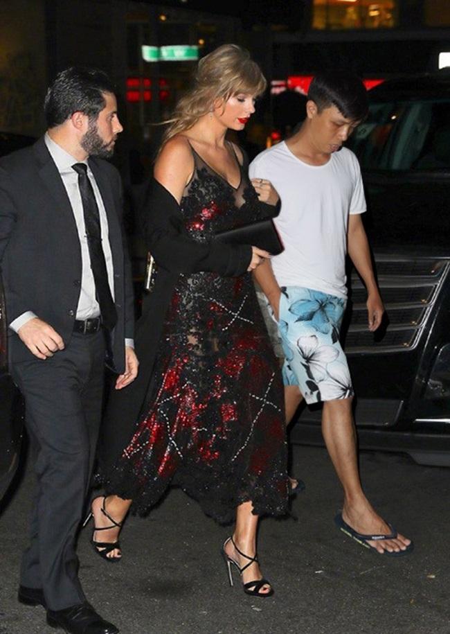 """""""Thánh photoshop"""" phù phép """"mời"""" Taylor Swift cùng hàng loạt siêu sao Hollywood đến dự sinh nhật - Ảnh 6"""