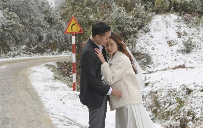 """Tuyết rơi dày đặc Y Tý, cặp đôi chụp ảnh cưới giữa không gian đẹp như """"trời Âu"""" - Ảnh 2"""