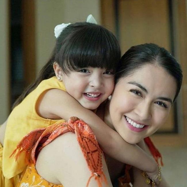 """Lịm tim trước bức hình """"mỹ nhân đẹp nhất Philippines"""" cùng con gái nhỏ - Ảnh 4"""