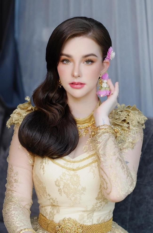 """""""Nữ thần tắm suối"""" Thái Lan ngày càng nổi loạn sau 4 năm nổi tiếng khắp châu Á - Ảnh 1"""