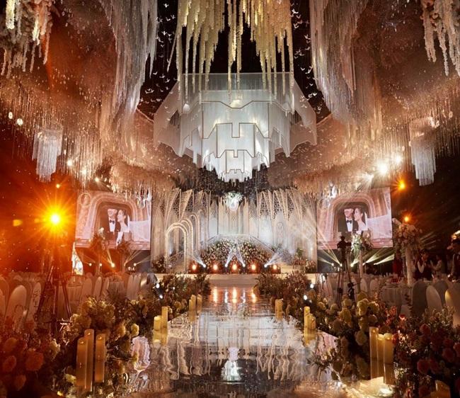 """Choáng ngợp trước đám cưới """"khủng"""" trong lâu đài dát vàng ở Ninh Bình, thực đơn toàn món """"bên bển"""" - Ảnh 4"""