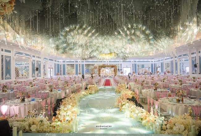 """Bố """"nhà người ta"""" tự thiết kế đám cưới tiền tỷ cho con gái, gần 300 xế hộp xếp chật kín đường - Ảnh 4"""