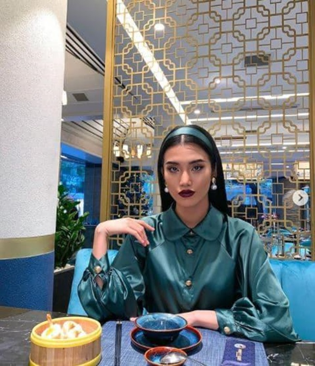"""Hé lộ hotgirl Việt 26 tuổi yêu tỷ phú 72, chuyện tình """"đôi đũa lệch"""" gây sốt cả báo Trung - Ảnh 7"""
