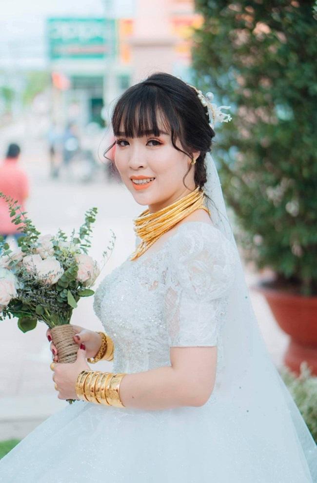 """Cô dâu """"số hưởng"""" với 20 cây vàng đeo trĩu cổ, """"gánh"""" nặng vậy ai cũng nguyện ý lấy chồng - Ảnh 6"""
