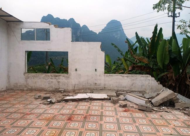 Thanh Hóa: Cận cảnh trường mầm non sụt lún, tường sập đổ, 200 học sinh phải đi học nhờ  - Ảnh 3