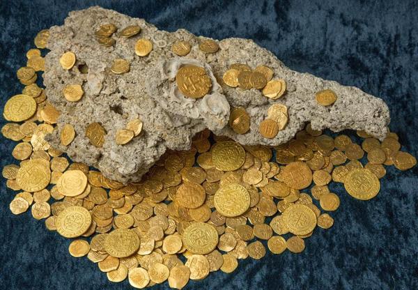 Lóa mắt trước kho vàng tiền tỷ chìm dưới đáy biển - Ảnh 1