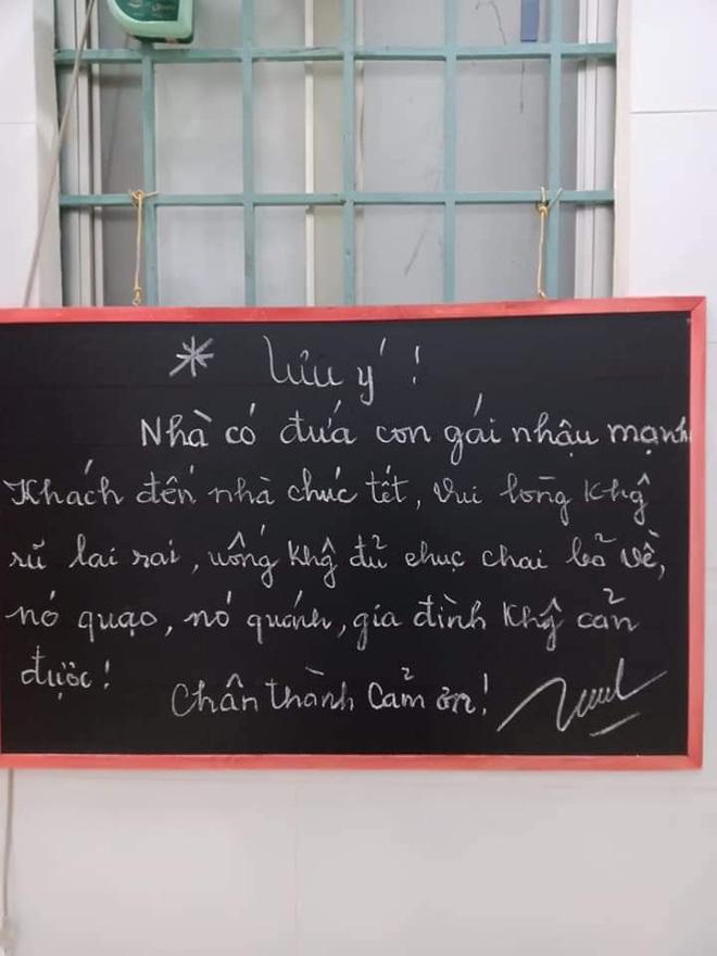 """Bà ngoại treo tấm bảng """"bá đạo"""" trước cửa, nội dung khiến khách chơi nhà dịp Tết phải lo sợ - Ảnh 2"""