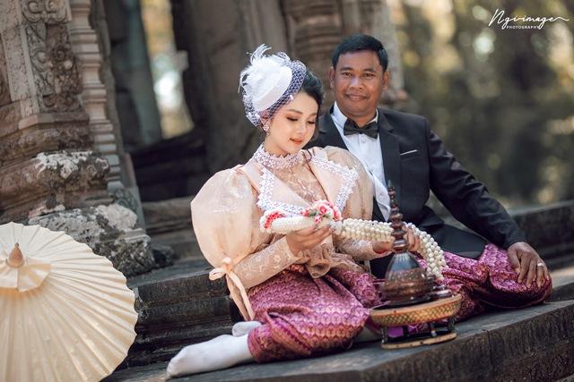 Cô dâu 19 tuổi lấy chồng 52, dân mạng mỉa mai lệch tuổi như hai cha con - Ảnh 3