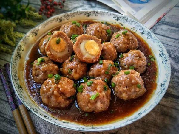 Bữa tối làm món thịt viên bọc trứng cút, ăn cùng cơm nóng thì hết ý - Ảnh 2