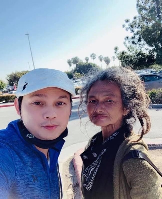 Xót xa hình ảnh ca sĩ nổi tiếng làng hải ngoại Kim Ngân sống lang thang, ăn xin tại Mỹ - Ảnh 1