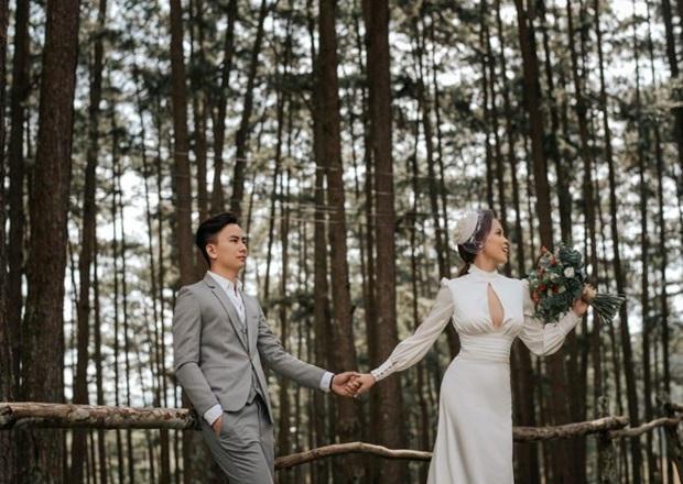 Cô dâu đeo hơn 20 cây vàng cùng nhẫn kim cương, biết gia thế dân mạng càng thêm trầm trồ - Ảnh 6