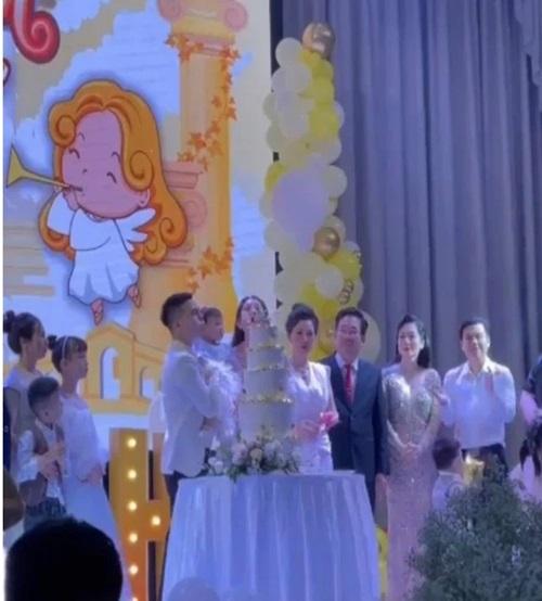 """Sau đám cưới xa hoa, """"cô dâu 200 cây vàng"""" gây sốt với tiệc sinh nhật hoành tráng cho con - Ảnh 6"""