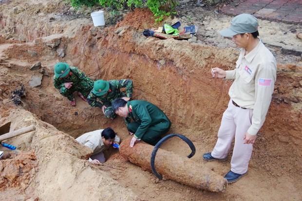 Quảng Bình: Phát hiện quả bom nặng 227kg, dài 1,54m trong khu dân cư - Ảnh 1