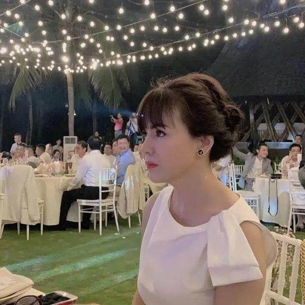 Nàng dâu hào môn khoe ảnh mẹ thời trẻ, dân mạng trầm trồ vì đẹp tựa minh tinh Hong Kong - Ảnh 4