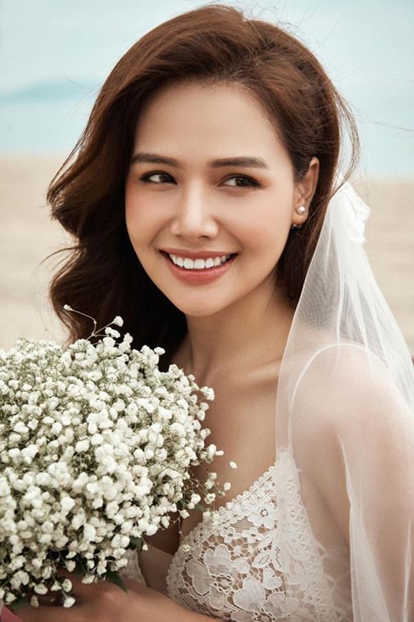 Nàng dâu hào môn khoe ảnh mẹ thời trẻ, dân mạng trầm trồ vì đẹp tựa minh tinh Hong Kong - Ảnh 1