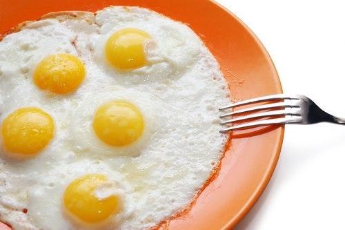 8 sai lầm khi chế biến trứng vô tình rước thêm bệnh vào người - Ảnh 2