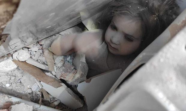 Bé gái sống sót thần kỳ sau 91 giờ bị vùi lấp vì động đất, giờ ra sao? - Ảnh 1
